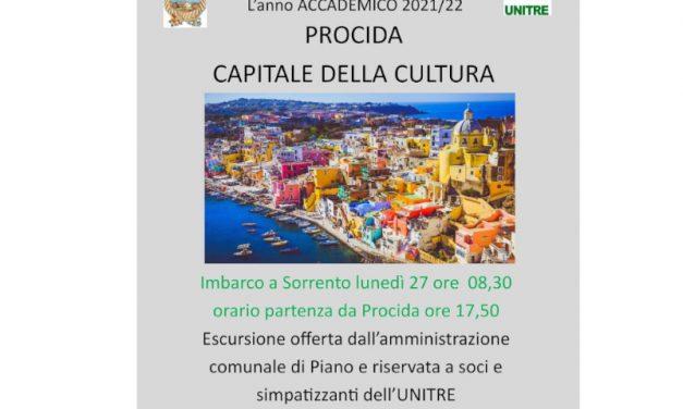 Piano di Sorrento/ Sono alla frutta: in piena campagna elettorale l'Amministrazione comunale offre la gita a Procida solo per i soci dell'UNITRE